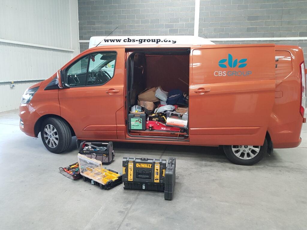 Van unloading in new office